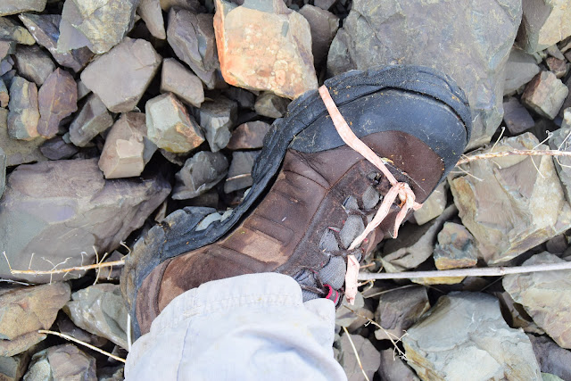 Порвались ботинки