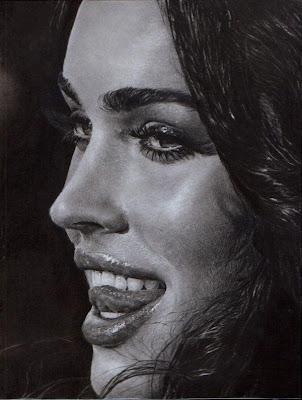 Megan Fox dibujo a lápiz blanco y negro