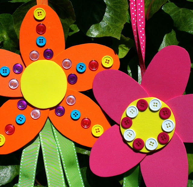 Featured 5 Spring Projects: Smart-Bottom Enterprises: Flower Streamers Craft Kit