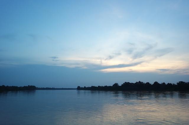 sungai batang hari muara bulian