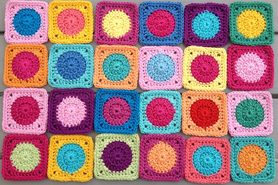 Elealinda-Design: Tutorial: Mini Granny Square - Wollresteverwertung