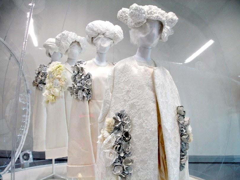 comme des garcons white drama exhibition paris