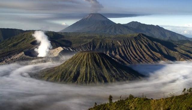 Berikut Enam Taman Nasional Paling Indah Yang Ada Di Indonesia