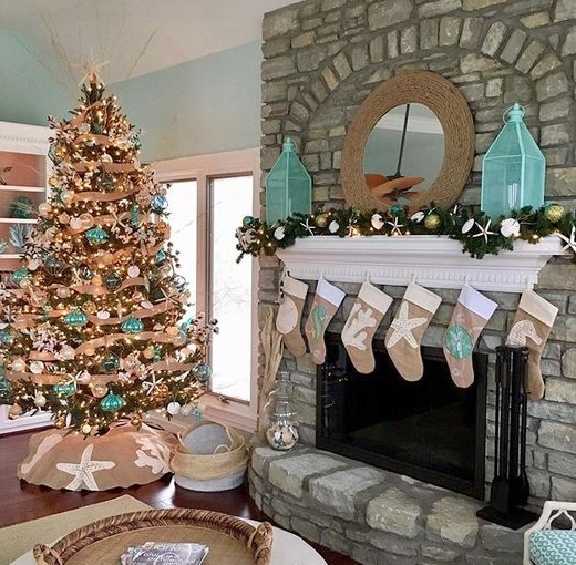 Coastal Christmas Living Room Interior Decor Ideas