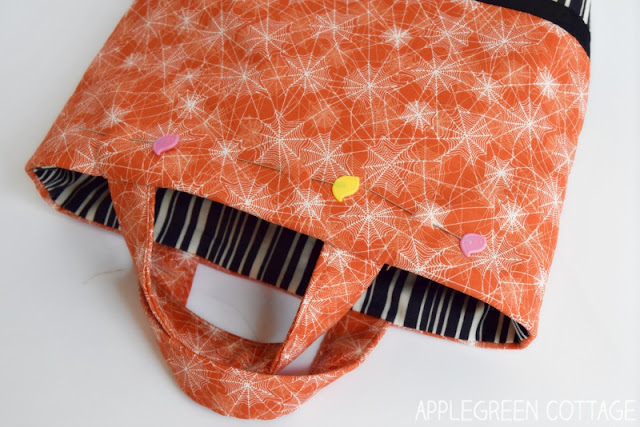 Halloween trick-or-treat bag, easy sewing project by AppleGreen Cottage
