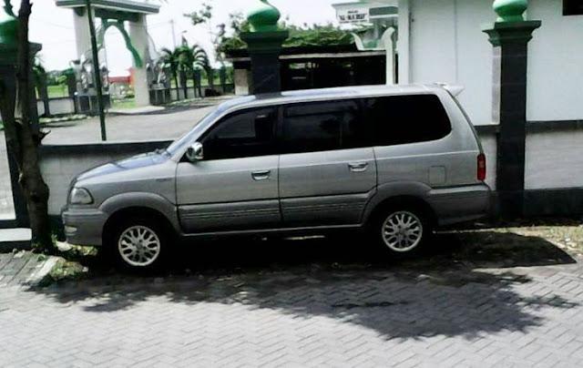 Toyota Kijang Krista 2.0 tahun 2004