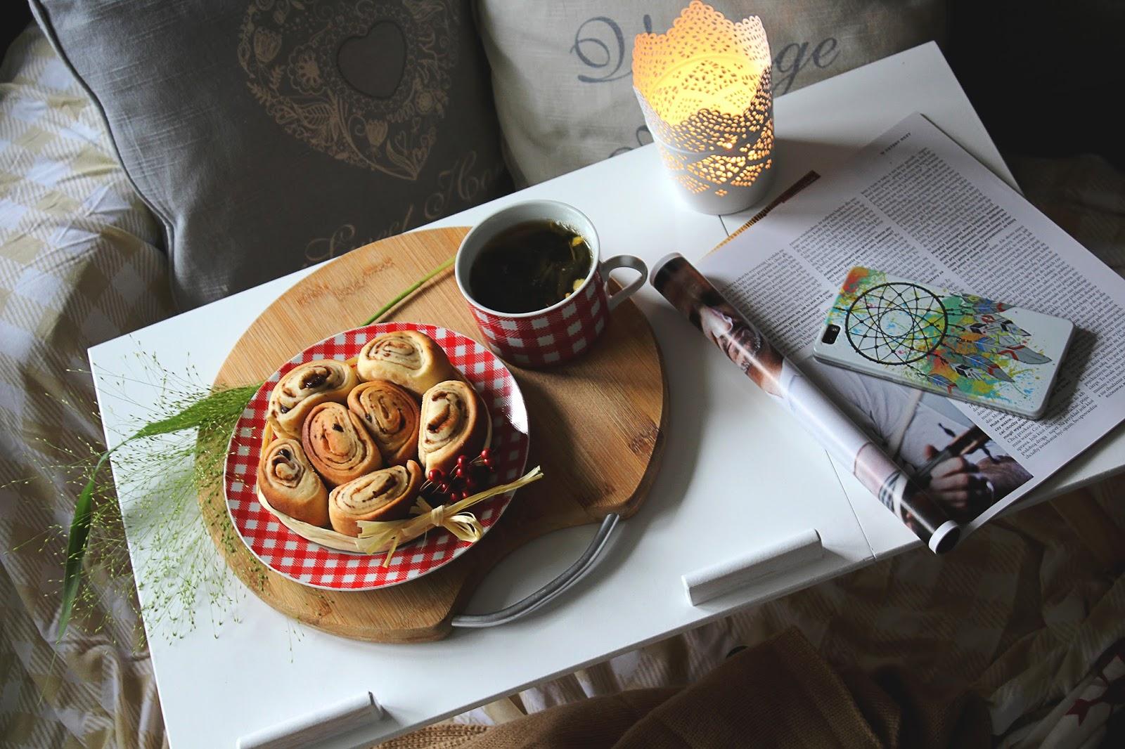 Cynamonki z odrobiną imbiru i czekolady