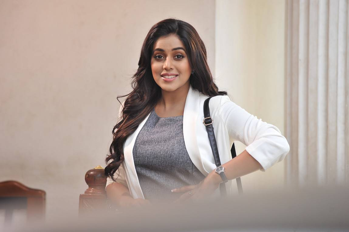 Poorna Long Hair Stills From Suvarna Sundari Movie