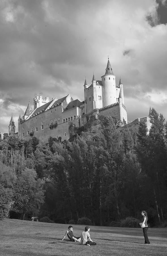 El Alcázar de Segovia desde las orillas del Eresma. Segovia. Castilla y León. España. © Javier Prieto Gallego;
