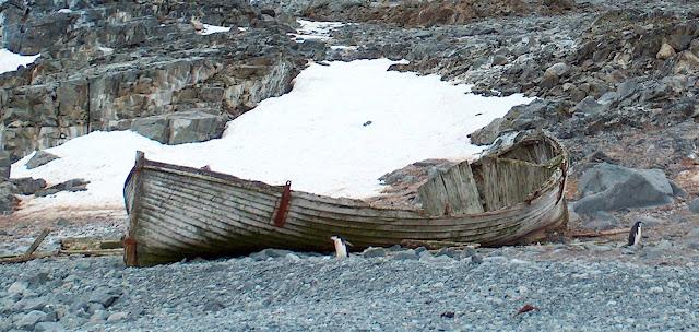 Η μυστηριώδης βάρκα στην Νήσο Μπουβέ
