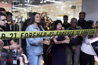 Actress Sonakshi Sinha Pos in Denim Jeans at Forever 21 Shop Launch at Express Avenue Mall  0012.jpg