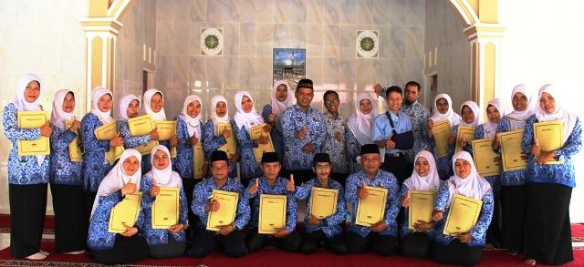 21 Orang CPNS Kamenag Padangpariaman Terima SK PNS