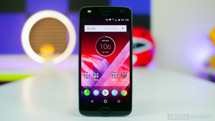 [Image: Moto-Z2-Play-Review-15-712x400.jpg]