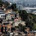 En medio de la violencia, las iglesias evangélicas se multiplican en los barrios pobres de Brasil.