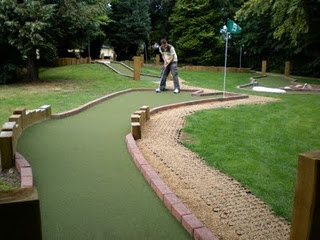 Mini Golf and Crazy Golf courses in and around London - Staines Adventure Golf