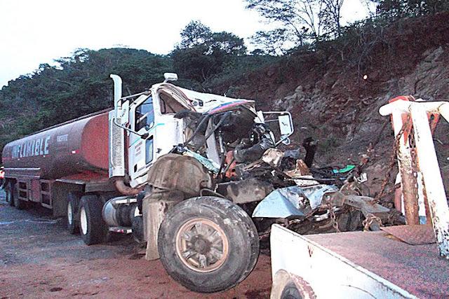11 heridos y una bebé muerta tras colisión contra gandola de gasolina