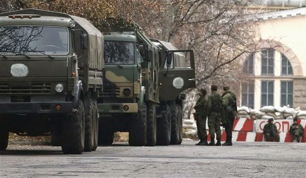 Θέσεις μάχης λαμβάνει ο στρατός στην ανατολική Ουκρανία