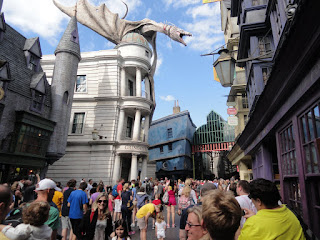 Harry Potter and the Escape from Gringotts. Outside.