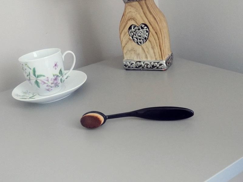 Mój ulubieniec ustatnich tygodni: Oval Make Up Brush ;)