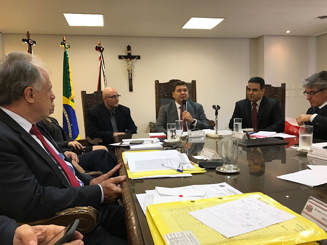 DOUTOR MARCELO DELEGADO DA DIG DE REGISTRO É HOMENAGEADO NO CONSELHO DA POLÍCIA CIVIL