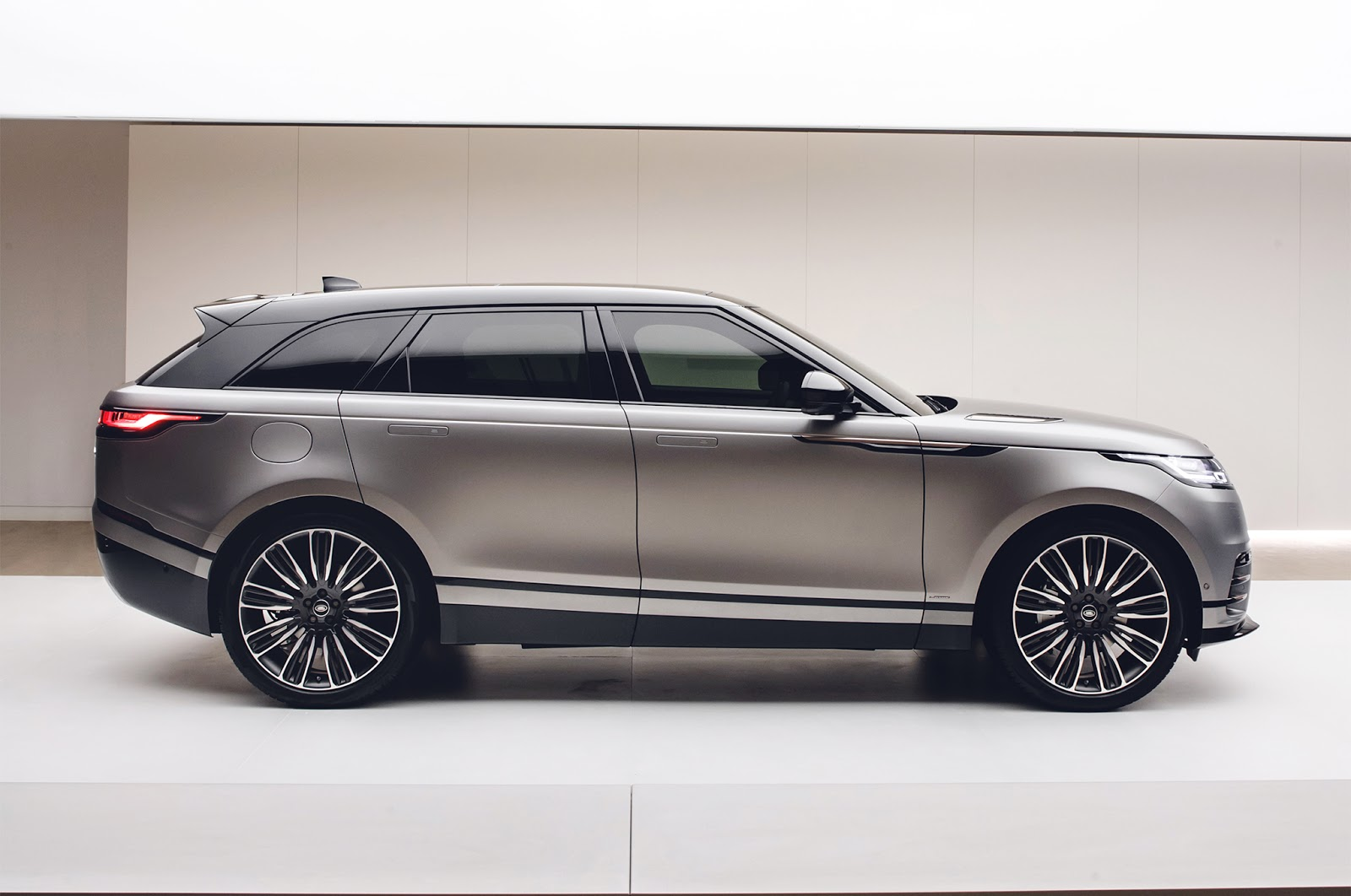 Land Rover Range Rover Velar Car Enthusiast Wallpapers