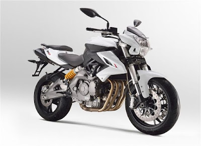 Benelli TNT 600i ABS right side pictures