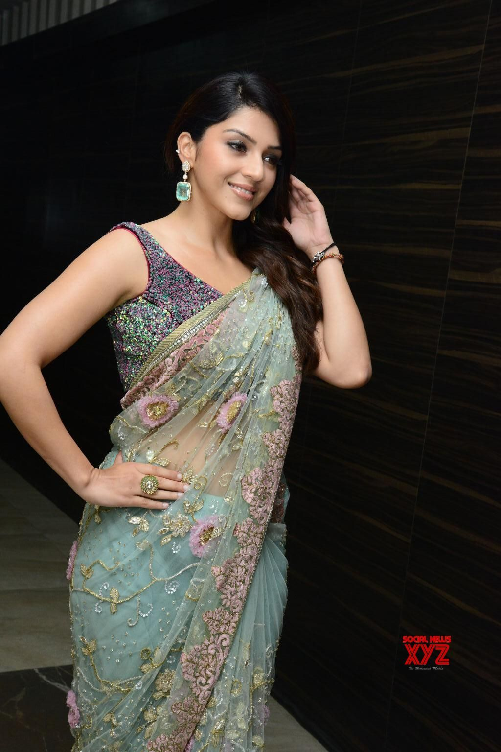 pics desi saree hot
