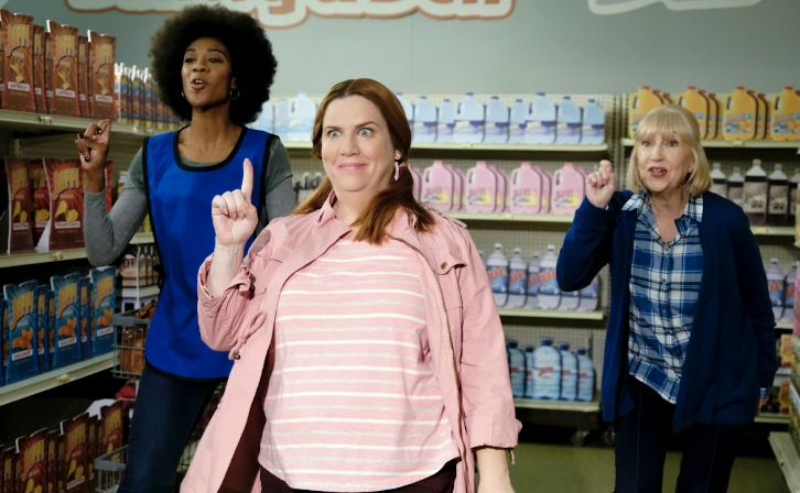 Crazy Ex-Girlfriend - Episode 3.07 - Getting Over Jeff - Promos, Promotional Photos & Press Release