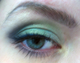 The Land of Lady Things: Look of the week: Sea green eyes