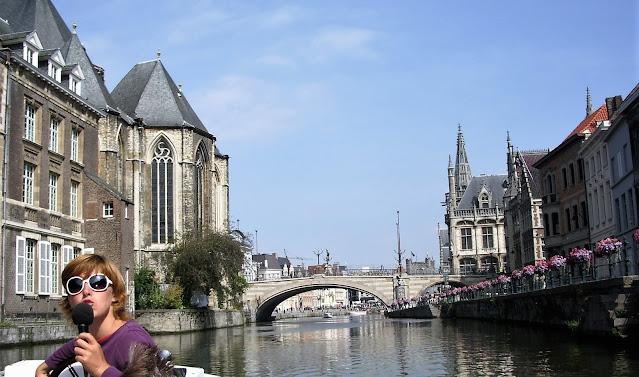 Una guida turistica a Gand