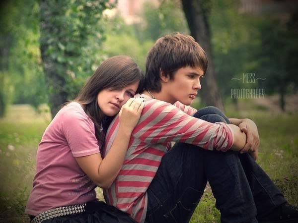 Cute Girl And Boy Hug Wallpaper Sad Couple Photos Send Quick Free Sms Urdu Sms