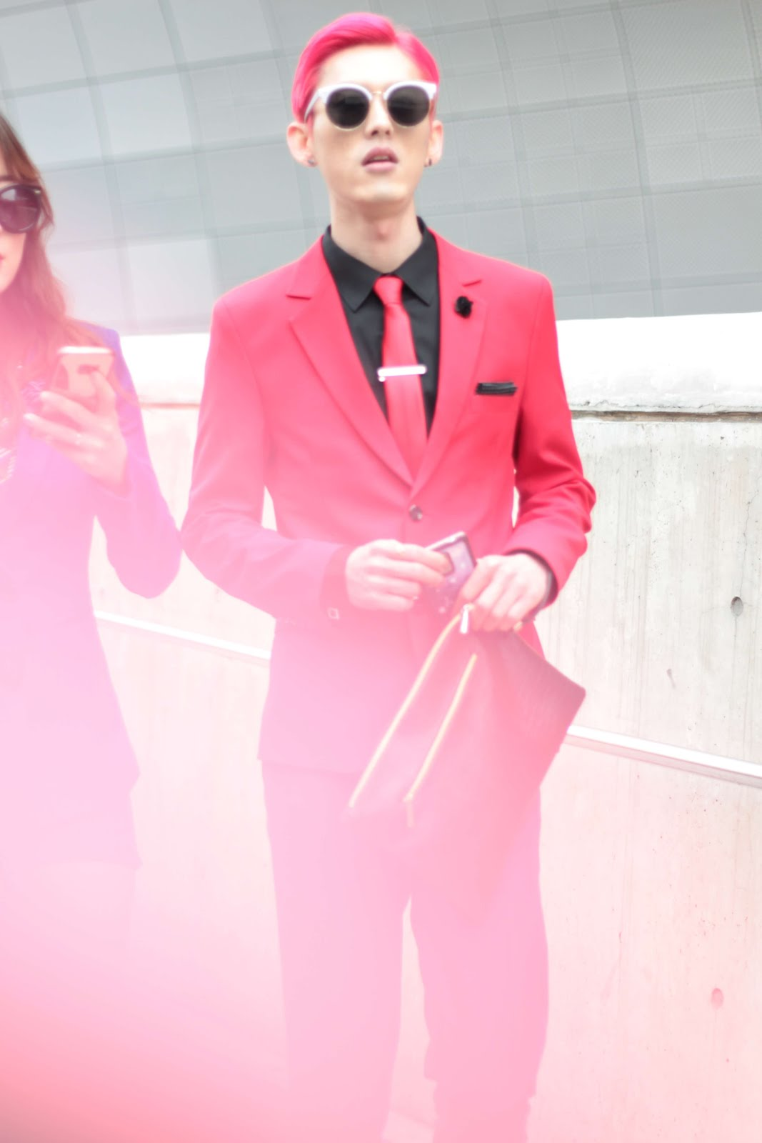 bright colours streetstyle seoul fashion week
