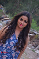 Nithya Ram Pos in Skinny Jeans at SUN TV Nandini Serial Press Meet .COM 0004.jpg