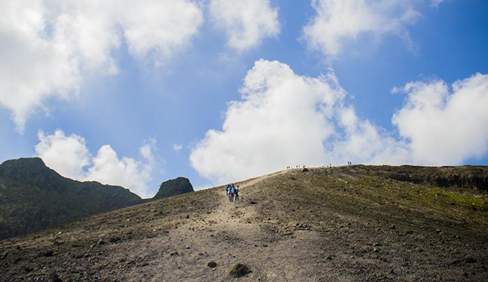 Mendaki Gunung Kelud