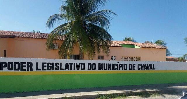 Depois de polêmica, presidente da Câmara retira seu nome do muro do prédio