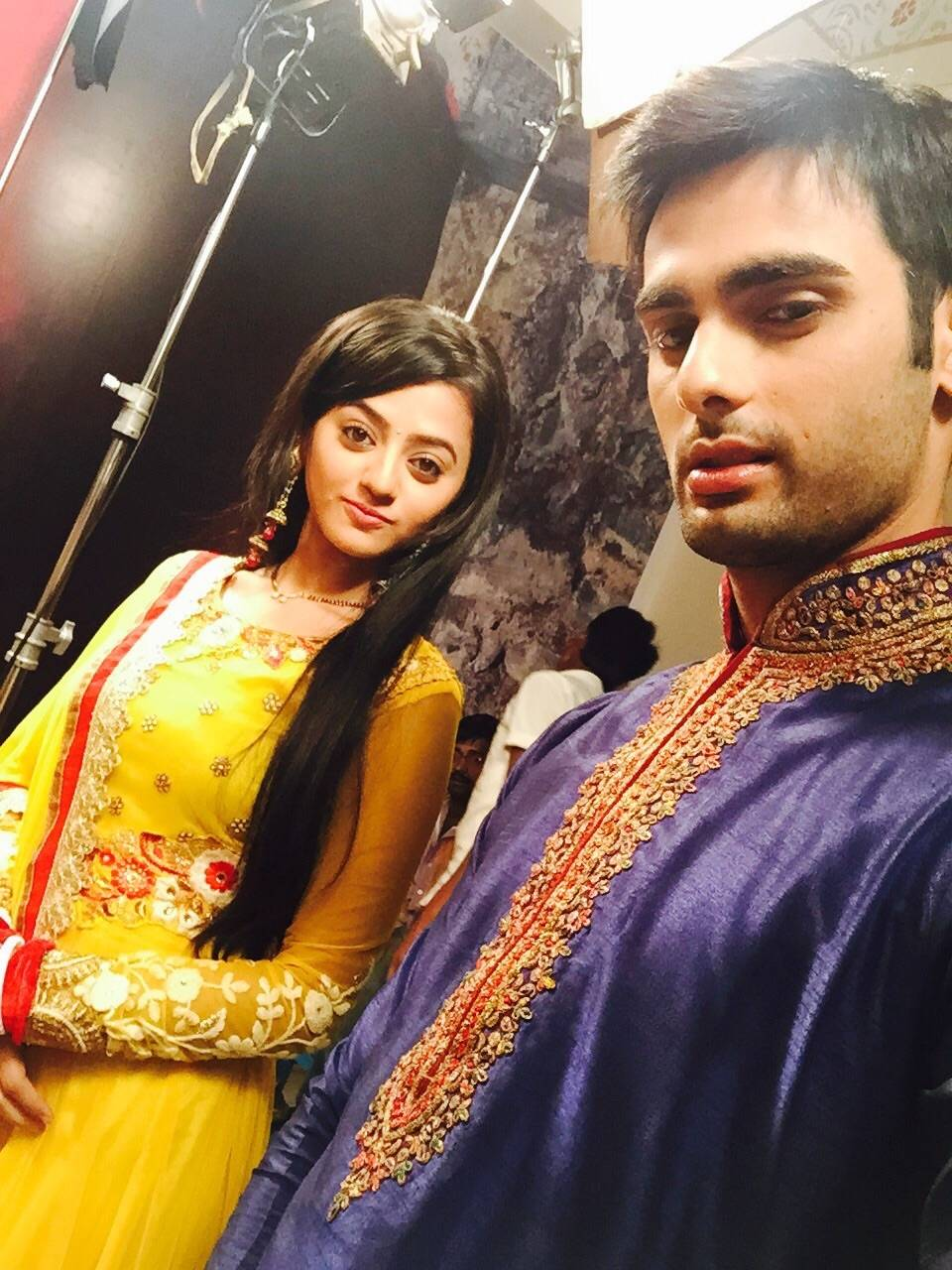 Cute Baby Girl Live Wallpaper Helly Shah And Varun Kapoor Wallpaper All 4u Wallpaper