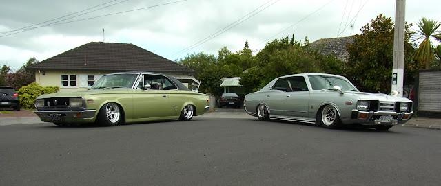 Toyota Crown Coupe, Nissan Cedric, auta z dawnych lat, klasyczne japońskie samochody