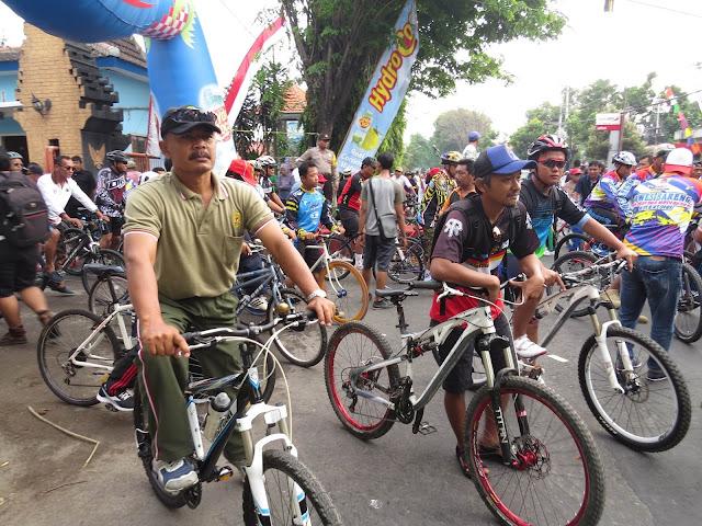 Gowes Bareng Dalam Rangka HUT DPRD Kota Kediri