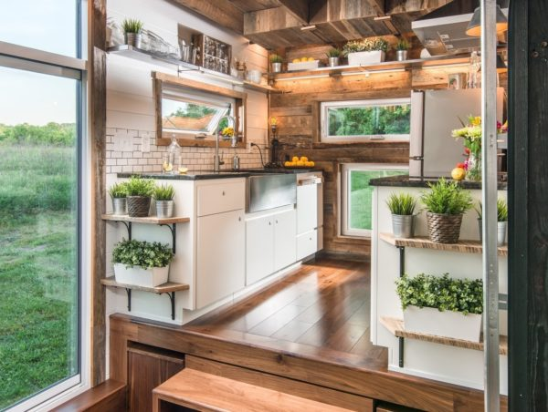 10 Facts About the Tiny House Movement That'll Make Your Hair Stand