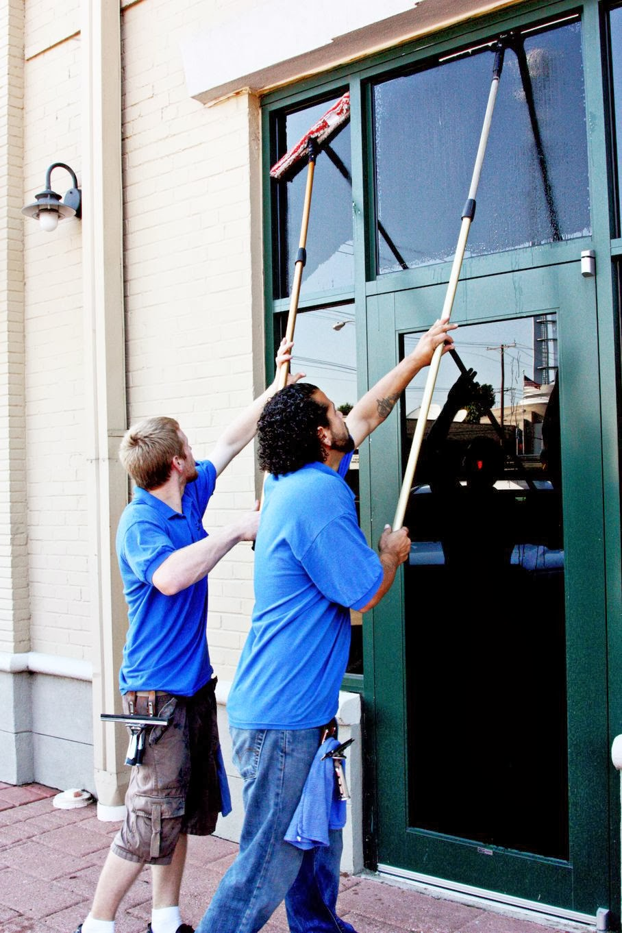 Robinson-Solutions Professional Window Cleaning: Window