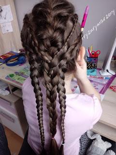 Duzo warkoczy,warkocz dobierany,warkocz holenderski,fryzura na impreze,fryzura dla nastolatki