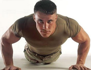 3 Jenis Gerakan Olahraga Sebelum Tidur untuk Membentuk Otot