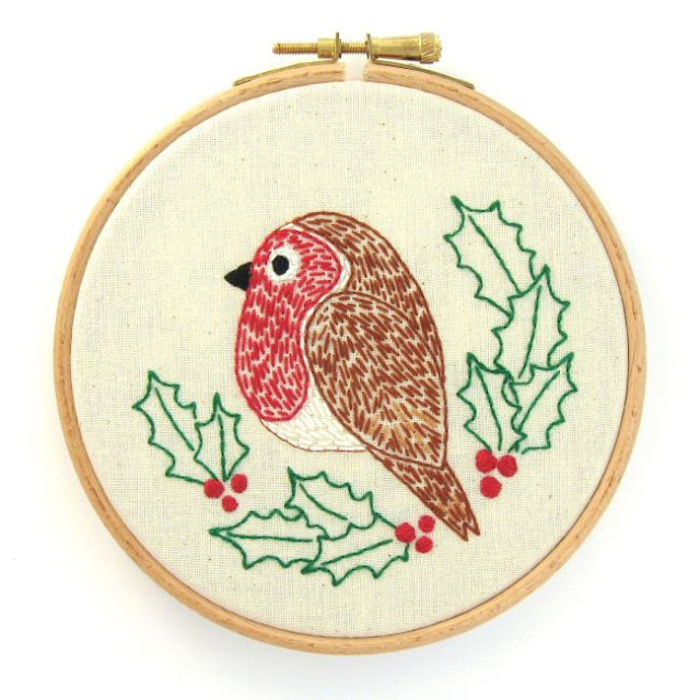 https://www.etsy.com/uk/listing/633107342/robin-pdf-pattern-felt-bird-sewing