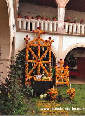 Altares y Ofrendas de Día de Muertos en Pátzcuaro