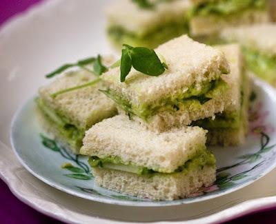 Mini Sanduíche de Pepino (vegana)