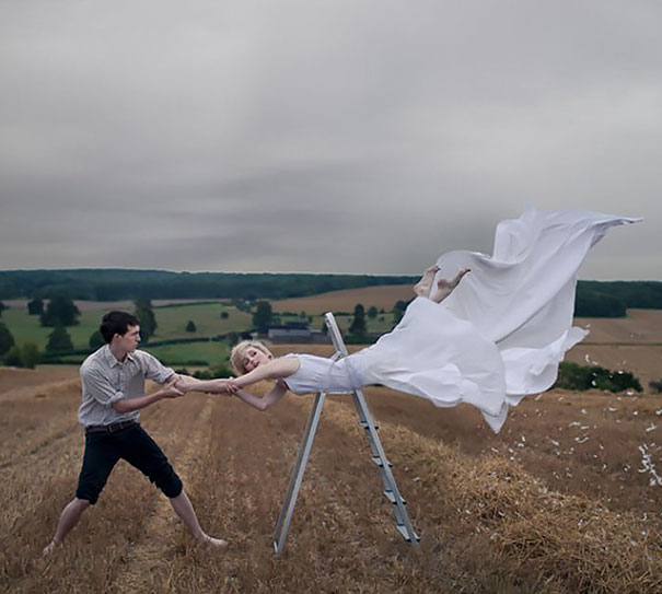 15+ Pics That Show Photography Is The Biggest Lie Ever - Levitation