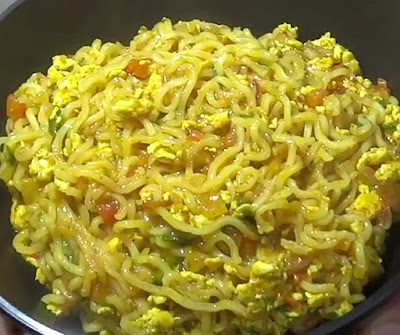 how to make egg maggi at home
