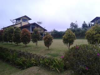 Villa kencana berlokasi di villa istana bunga lembang