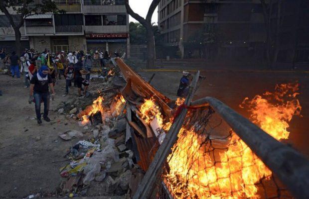DESAFIOS: VENEZUELA, LA SOMBRA DEL FASCISMO