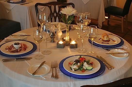 Салфетки в сервировке стола: коллекция фото-идей, История столовых салфеток и правила их использования,  салфетки, салфетки столовые, складывание салфеток, история салфеток, история предметов, интересное о салфетках, текстиль, праздничный стол, сервировка стола, праздничная сервировка, салфетки столовые, для дома, для праздника, кулинария,